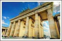 Брандербургские ворота — одна из главных берлинских достопримечательностей.