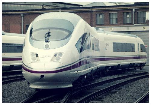 Скоростной немецкий поезд