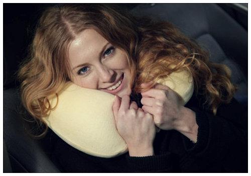 Подушка для сна в дороге