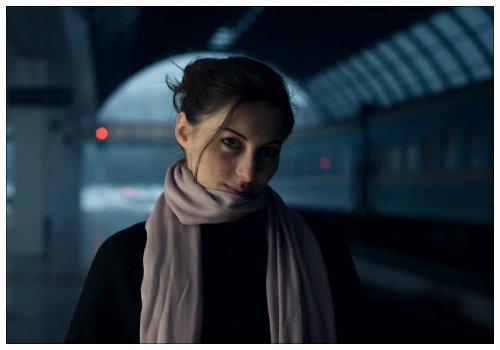 Студентка на вокзале.