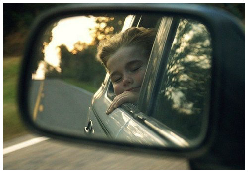 Девочка в зеркале.