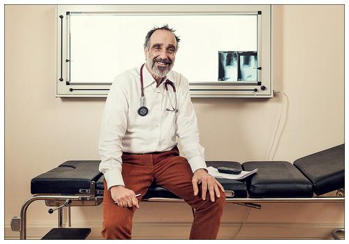 Оформление медицинской визы — первая процедура, которую придётся пройти.