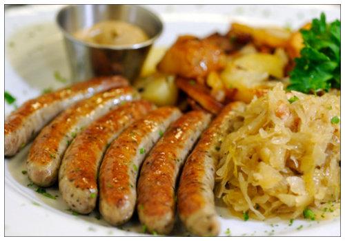 Колбаски с гарниром