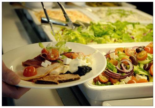 Блюда шведского стола